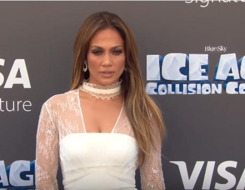 Drake Making Moves On Jennifer Lopez - Details
