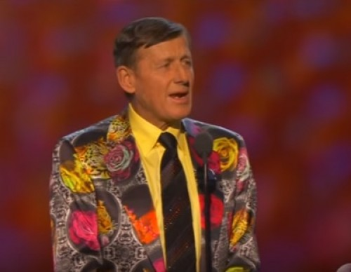 Craig Sager presented with the Jimmy V Award at the 2016 ESPYs.