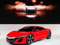 Honda NSX vs Audi R8 V10 Plus: The Supercar Battle