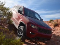 2017 Jeep Grand Cherokee Trailhawk Review: Luxury In Off-Road Territory