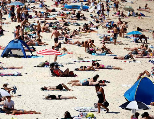 Temperatures Keep Rising As Sydney Heatwave Conditions Continue