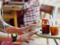 Apple iWatch spotted in new iPhone ad?