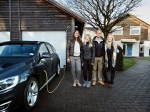 Volvo Taking Up Real Families To Test Its Self-Driven Cars