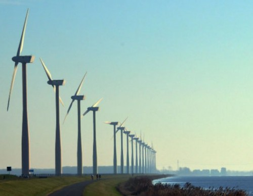 Dutch Electric Trains To Be Completely Powered By Wind Energy