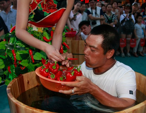 Sitting In Ice Buckets To Compete Eating Peppers In Hangzhou