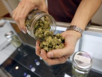 Los Angeles City Council Votes To Ban Medical Marijuana Dispensaries