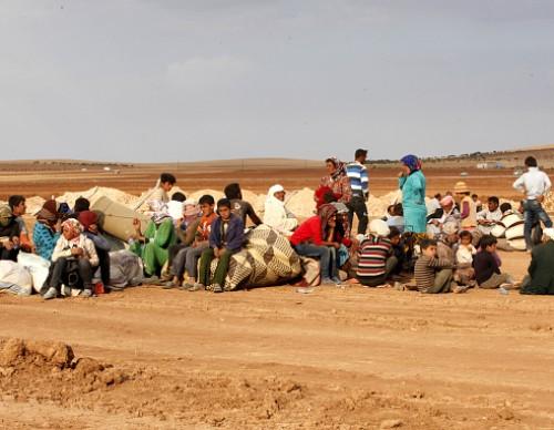 Refugees Flee Kobane As IS Forces Battle Kurdish Resistance