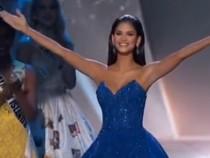 Pia Alonzo Wurtzbach Miss Universe 2015 Takes her farewell walk