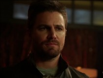 'Arrow' Season 5 Spoilers, Updates: Oliver, Felicity Going To Russia To Link Multiple Storylines