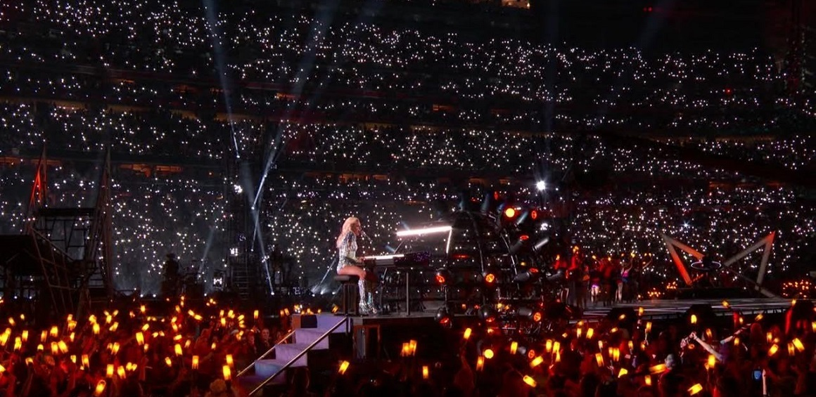 Lady Gaga - Million Reasons (Lady Gaga's Pepsi Zero Sugar Super Bowl LI Halftime Show)