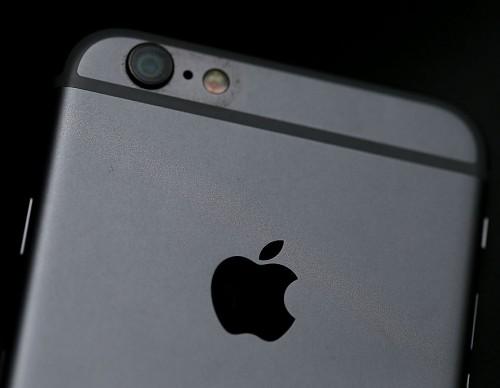 iPhone 7 Users Complain Peeling Matte Black Paint