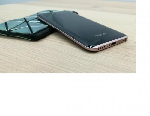 The First AI-Powered Smartphone - Huawei Honor Magic