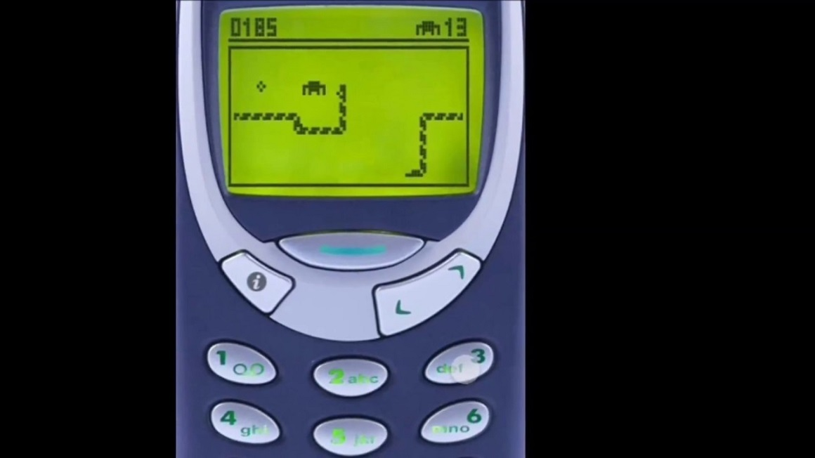 Nokia 3310 Mobile phone is coming back, To Be Launched At MWC 2017 .