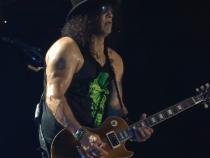 Guns N' Roses - #GnFnR 2017 ... The Machine Is Back At It