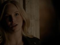 The Vampire Diaries 7x22: Stefan & Caroline #9 [Steroline kiss after 3 years]