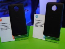 Moto Z's New Moto Mods Unveiled at the 2017 Mobile World Congress
