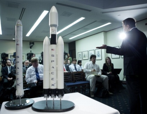 CEO of SpaceX And Tesla Motors Makes Announcement On SpaceX's Latest Venture