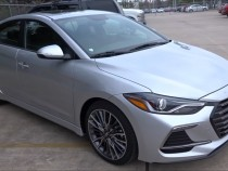 2017 Hyundai Elantra Sport Uses More Buttons Than A Touchscreen