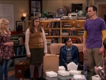 'The Big Bang Theory' Cast Takes Pay Cuts For Melissa Rauch, Mayim Bialik So They'll Stay