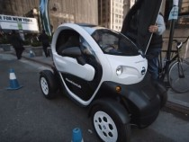 Nissan's Twizy-based Car Sharing Is The New Trend! Here's Why