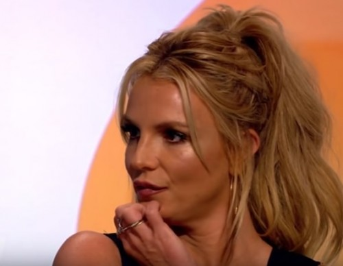 Britney Spears Admits She Would kiss Justin Bieber.