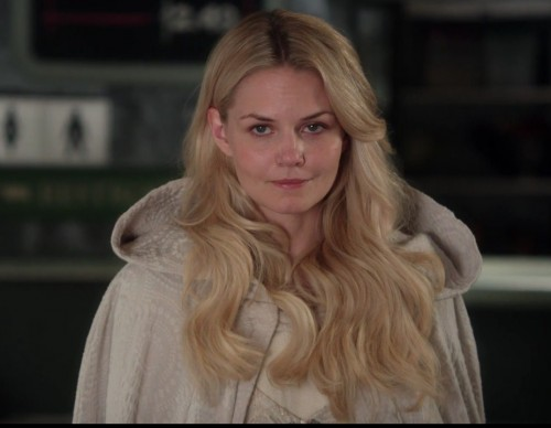 'Once Upon A Time' Season 7 Might Be Cancelled? Emma Swan's Status Uncertain?
