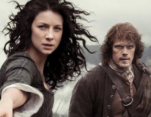 'Outlander' Season 3 Spoilers: Jamie Ditches Sword For Bow And Arrow; Author Diana Gabaldon Visits Film Set In South Africa
