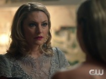 'Riverdale' Spoilers: Details About Another Character's Death Revealed; Betty's Mom Is A Southside Serpent?