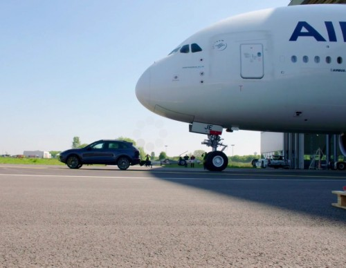 Porsche Cayenne Tows Airbus A380 And Sets A New World Record Of Strength
