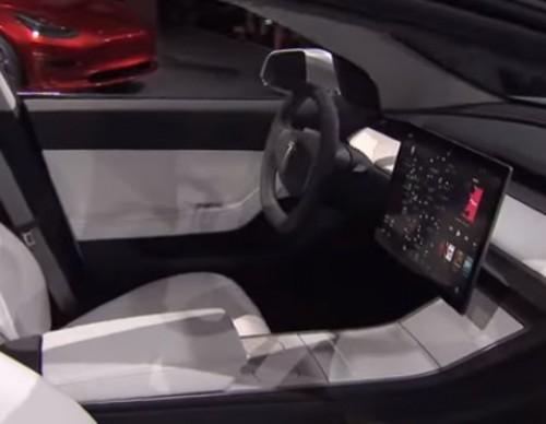 Tesla Model 3 Alternatives: 2018 Nissan Leaf, 2017 Chevy Bolt And 2017 Toyota Prius Prime