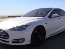 Tesla Model S Leaves Showboating Porsche Cayman GT4 Spinning
