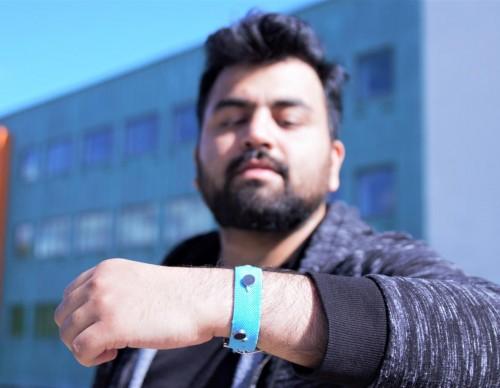 Smart Materials Wrist Band (IMAGE)