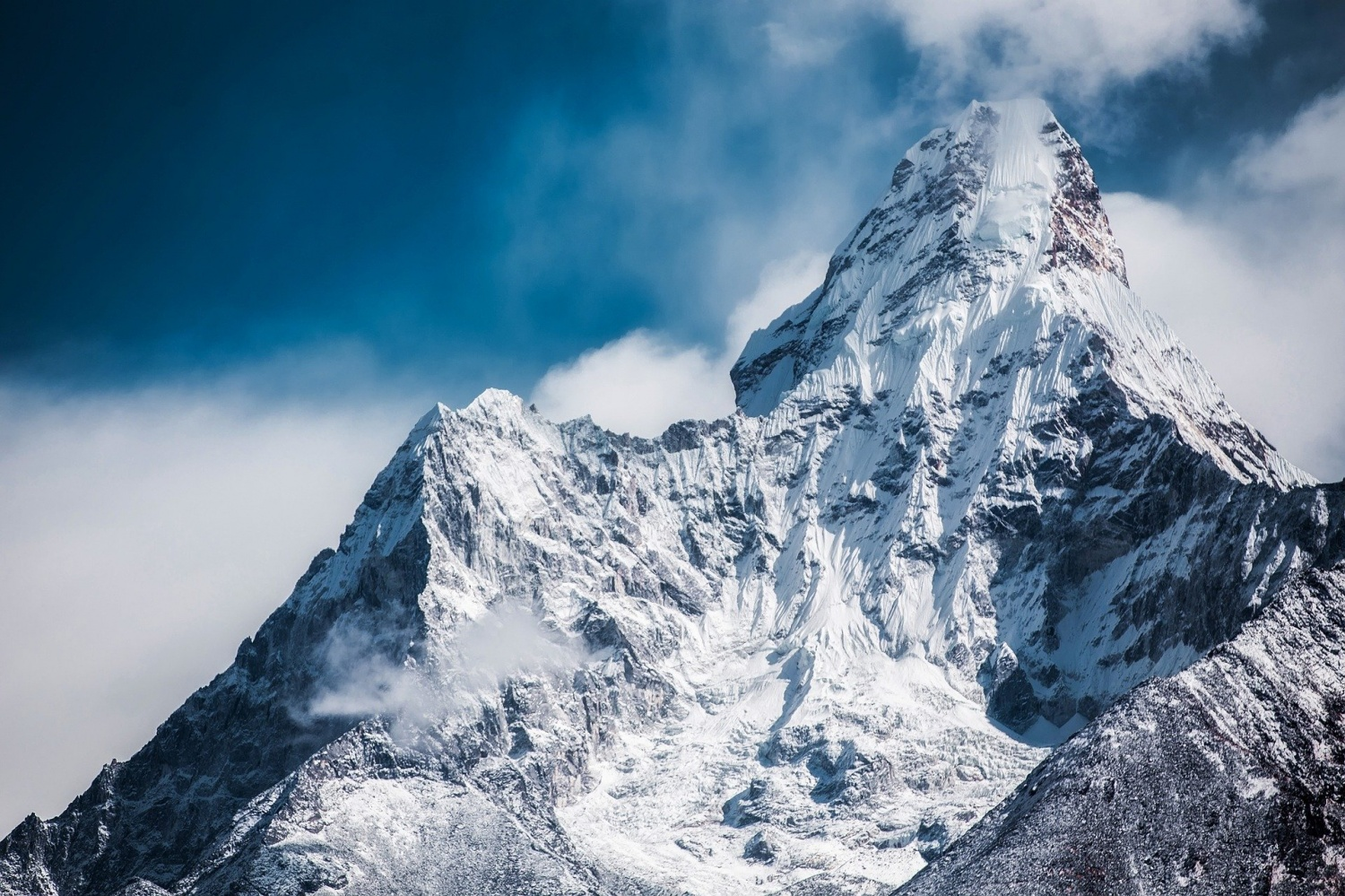 Never Before Seen Beauty of Himalayas in the Last 30 Years Captured By The Lens, Thanks To Coronavirus Lockdown!