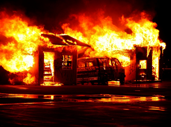 [Breaking News] Poultry and Poultry Products Farm Fire Breaks in Licking County Ohio!