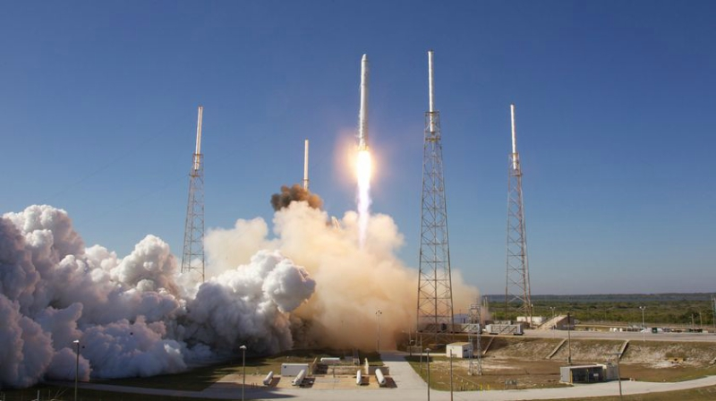SpaceX's Falcon 9 carrying Starlink Satellites