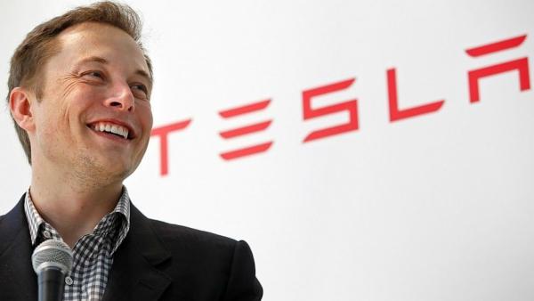 Elon Musk / Tesla
