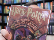 Teacher Plans to Sell Rare Harry Potter First Edition Books for $22,000 at Auction!