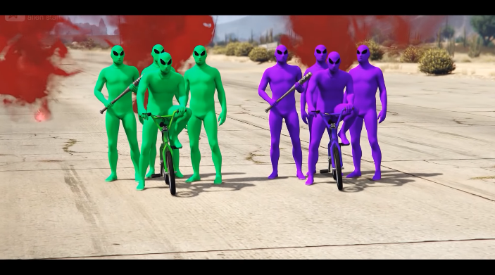 """[VIDOE] Online Video Shows Ongoing Grand Theft Auto Online Gang War with """"Green Aliens"""" Fighting Off """"Purple Aliens"""""""