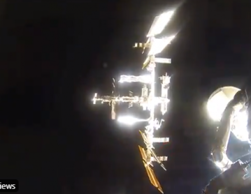 [Video] Watch the Soyuz Capsule Dock on the ISS: Comments Claim that it was Edited?