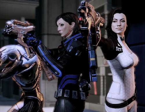 Legion, female Commander Shepard, and Miranda Lawson in Mass Effect 2