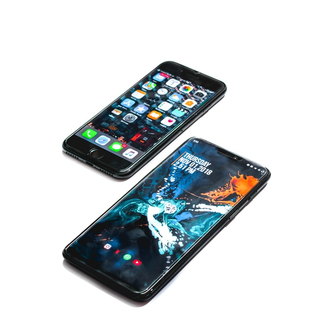 Android vs iPhone: Unrestricted Freedom or Security but at a Cost?