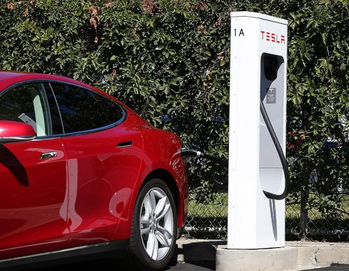 Tesla Supercharger V3 Station Debuts Instead of Drive-In Restaurant—Santa Monica Location Sees Permits!