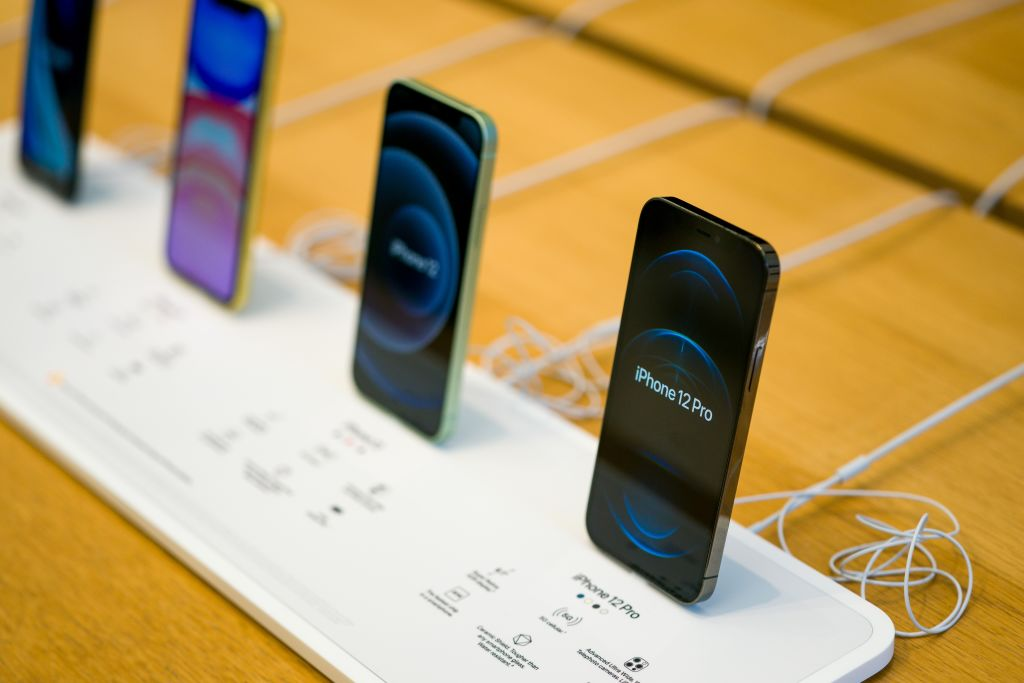 iPhone 13 Rumors Hint Use of Samsung's LTPO Displays: Release Date, Specs and More