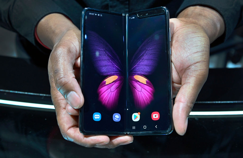 Samsung Galaxy Z Fold2 5G Specs and Price: How to Get $100 Discount or More