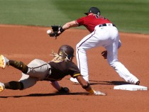 'MLB The Show 21' Baserunning Tips: How to Perfectly Slide in Team Mode