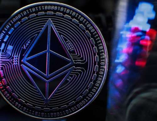 Ethereum Price Reaches $3000; Dogecoin Value Still Increasing Amid Crypto Popularity