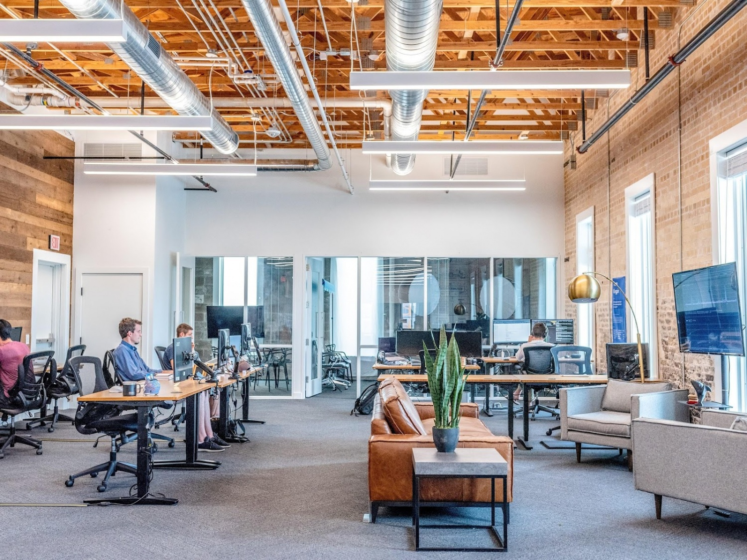 Six Reasons Why You Should Use LED Lights In The Office