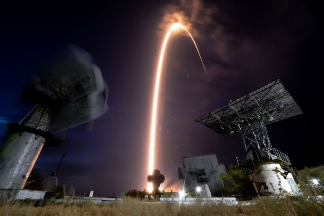 SpaceX Starlink Pre-Orders Canceled: Customers Get Frustrated Over Long Delay, Feel Scammed