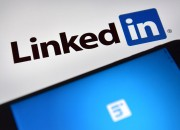 LinkedIn is expanding its services to its users by offering jobs. The social networking app is helping job seekers to find the perfect jobs secretly.