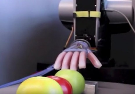 New Robot Could Touch Like Humans